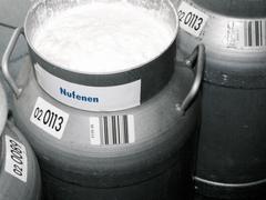 Strichcodeetikette auf Milchkanne