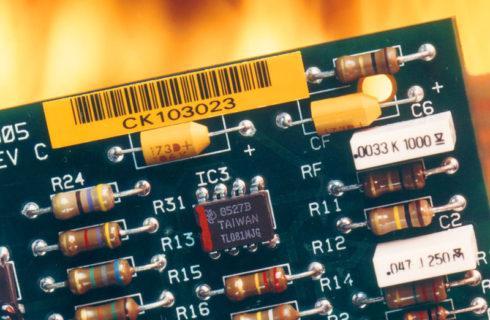 Barcodeetikette auf Leiterplatte